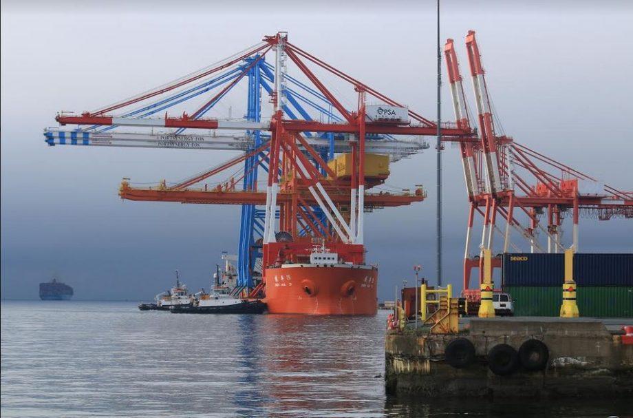 Super Post-Panamax Crane At PSA Halifax Terminal: Impressive Sight As It Arrives From China
