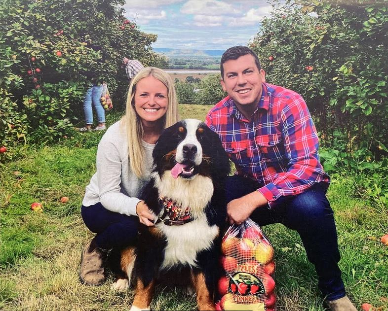 MacPolitics: Kody Blois Has A Neat Holiday Card: Features His Bernese Mountain Dog